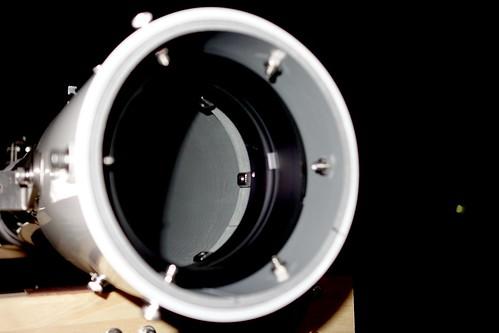 Astronomical Telescope_45_Levels Adjusted 自作天体望遠鏡の対物レンズ側から主鏡筒内部を撮影した写真。
