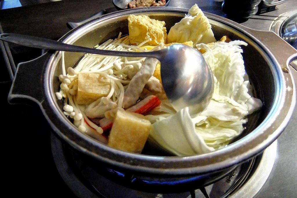 火鍋部分,就是一般的火鍋料,作為烤肉烤來不及時候填肚子的好物啊XDD