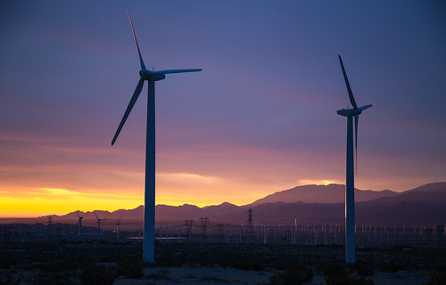california sunset sunrise whitewater unitedstates palmsprings windmills alternativeenergy southerncalifornia climatechange windfarm windenergy windturbines iberdrolarenewables dillonwindpowerproject