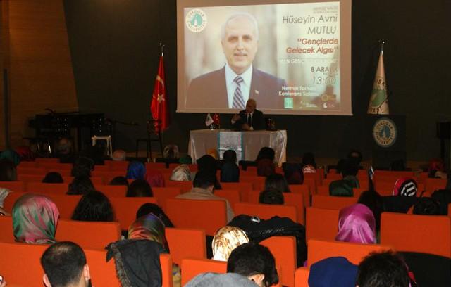 Vali Mutlu Üsküdar Üniversitesi'nde gençlerle söyleşti… 3