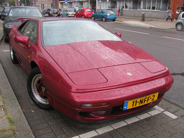 Lotus Esprit with touches from SE HWing, 300 Sport & S4