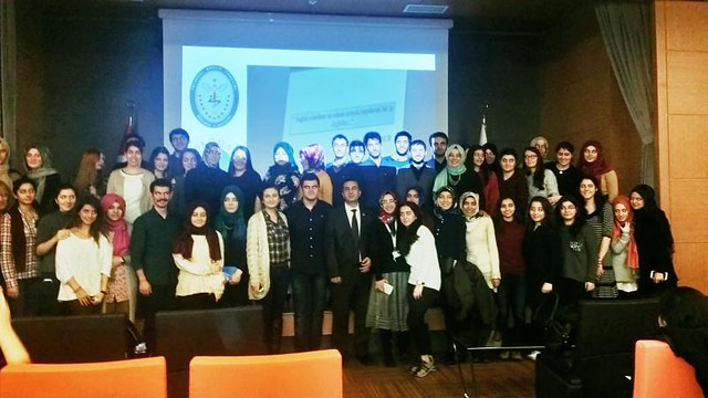 İstanbul Sağlık Yönetimi Platformu üyeleri Üsküdar Üniversitesi'nde öğrencilerle bir araya geldi.