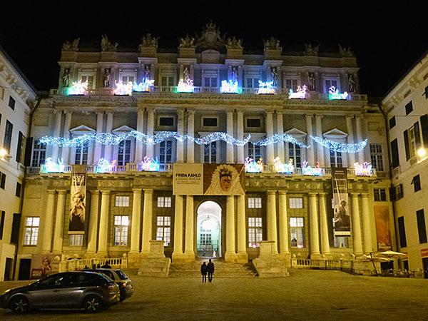 palais ducal la nuit