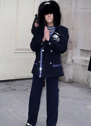 G-Dragon Chanel Haute Coutoure at Grand Palais Paris 2016-01-26 press (2)