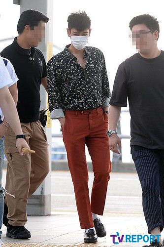 BIGBANG Incheon Airport to Shanghai Press 2015-06-19 037