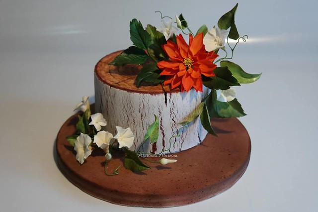 Model-Tree Trunk, decorated with Dahlia and the whirlpool by Sugar flowers made by Marinela Muresan