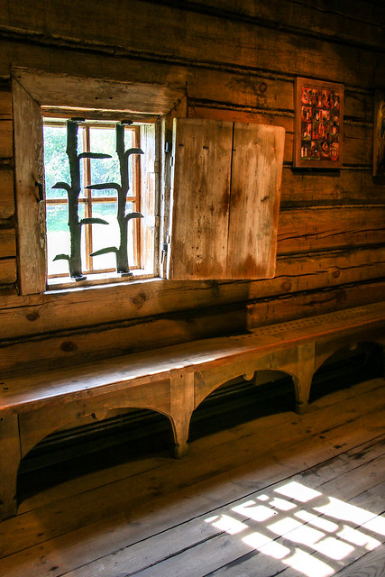 In a old house, museum of wooden masterpieces, Suzdal スズダリ、木造建築博物館の古民家