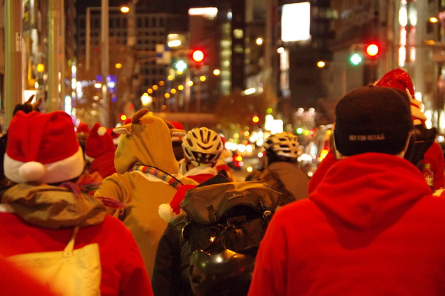 Night Pedal Cruising Christmas Ride Deluxe 2014_010