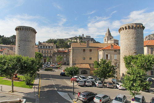 france europe afternoon view citadel towers july paca provence tours vue aprèsmidi hotelroom sisteron 2014 alpesdehauteprovence meteorry provencealpescôtedazur provencealpescôted'azur grandhôtelducours alléedeverdun