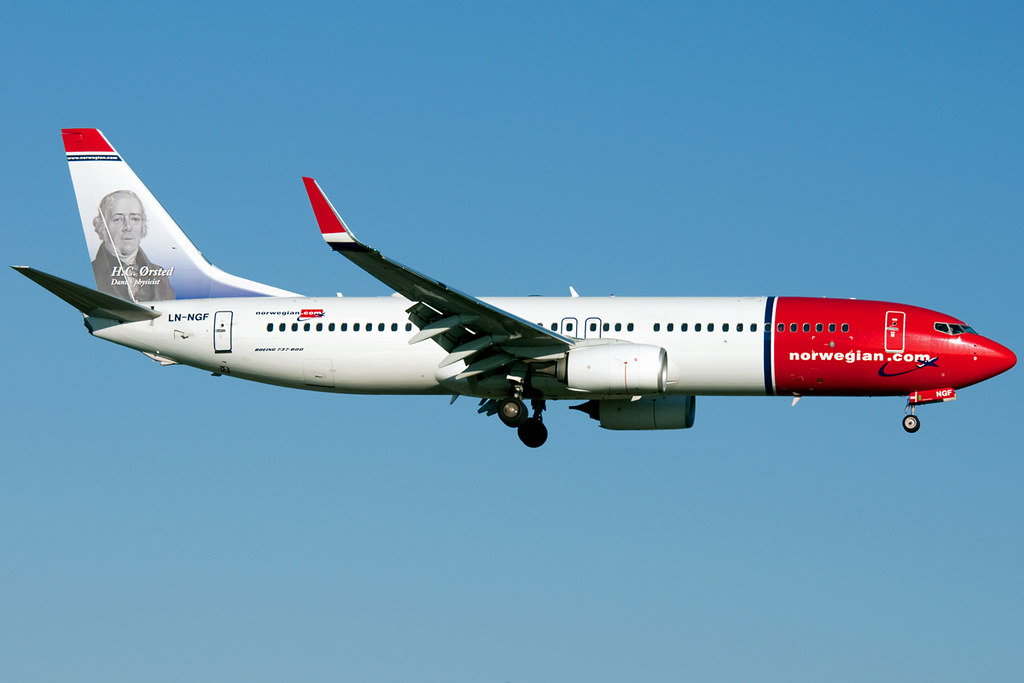 LN-NGF - B738 - Norwegian