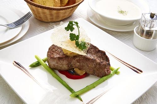 高雄新國際西餐廳正統牛排A餐套餐_美國厚片沙朗牛排