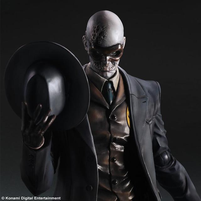 指揮神秘部隊『XOF』的男子Skull Face (骷髏臉) PlayArts 改登場!