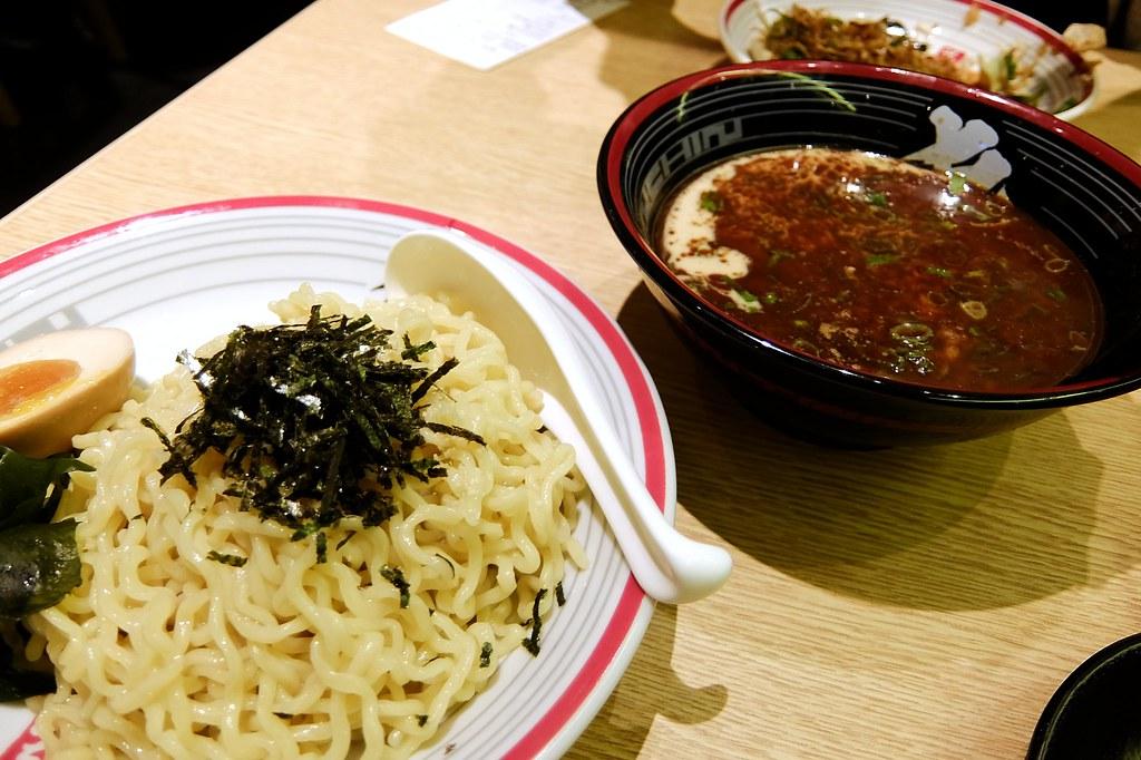 魚豚沾麵,一盤麵+沾麵醬汁