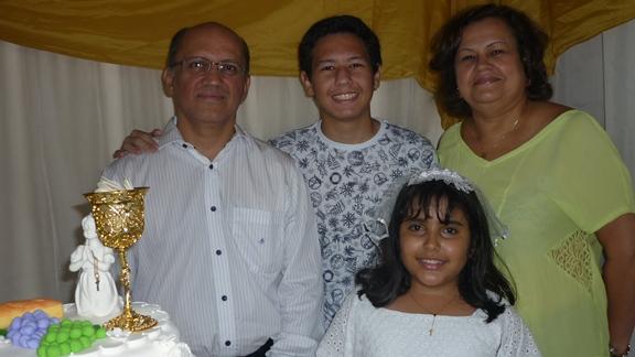 Clarice Martins Diniz com os tios Carlos e Walda Martins e o primo Carlos Martins