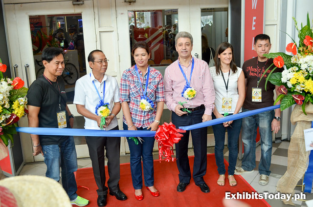 First Phil-Bike Expo Ribbon Cutting