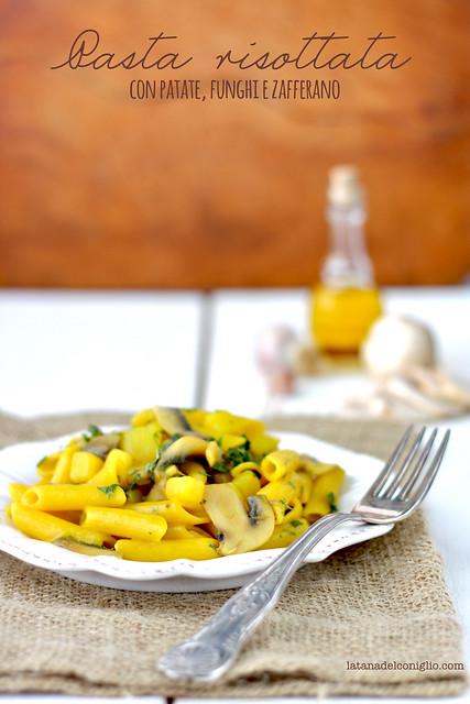 Pasta risottata con patate e funghi e zafferano