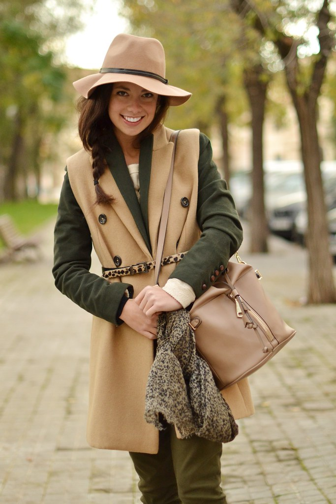 ¿Quieres saber cómo combinar un chaleco largo?