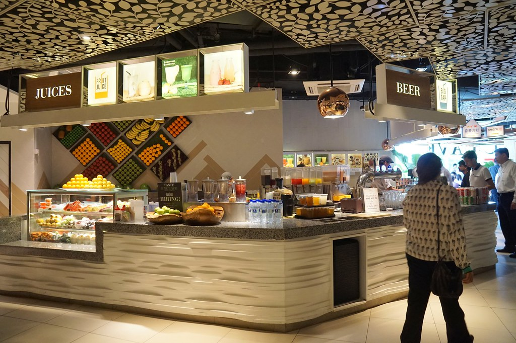 avenue k shopping mall - food court-001