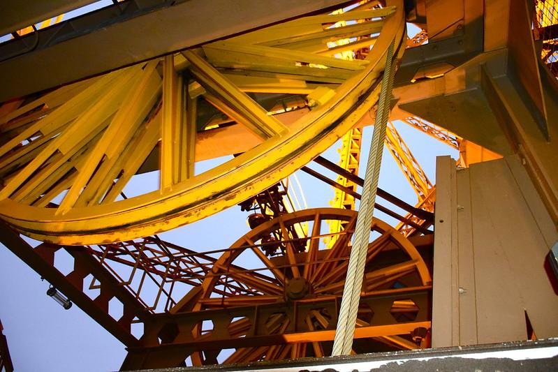 Eiffel Tower elevator pulleys