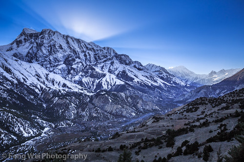 travel nepal light sunset color horizontal landscape asia outdoor dusk scenic remote annapurnacircuit marsyangdi annapurna himalayas manang gandaki marshyangdi annapurnaconservationarea ngawal marsyangdivalley marshyangdivalley