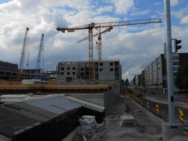Hämeenlinnan moottoritiekate ja Goodman-kauppakeskus: Työmaatilanne 23.6.2013 - kuva 15