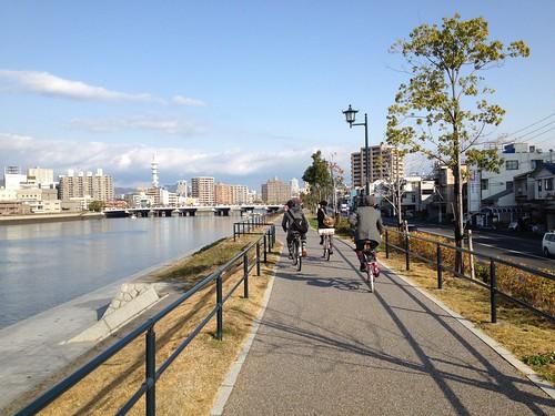 広島港から市街へ