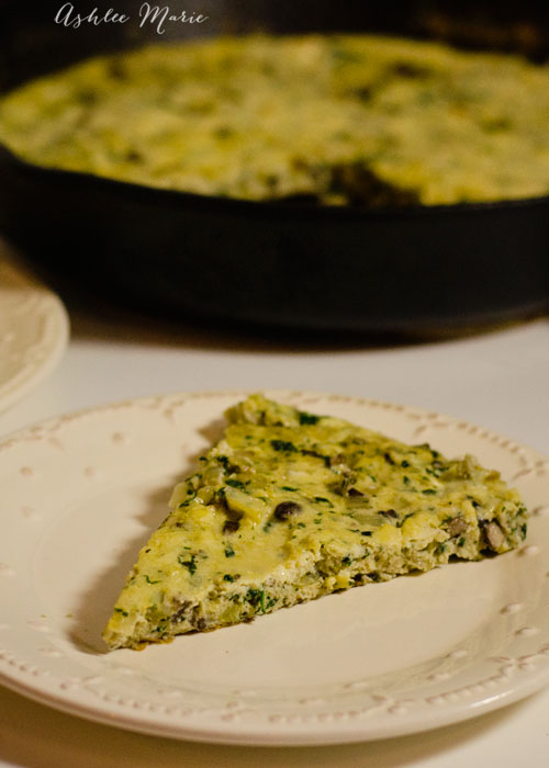 this spinach, mushroom and herb frittata is full of amazing flavor and everyone in my family loved it