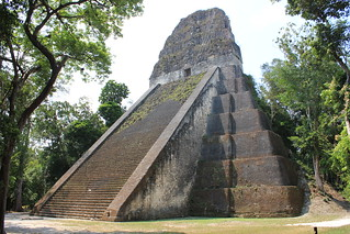 Billede af  Temple V. city heritage architecture stairs temple site nationalpark rainforest ruins shrine pyramid mask maya guatemala teotihuacan capital steps platform kingdom structure stairway unesco worldheritagesite masks tikal temples pyramids monuments base unescoworldheritage tombs palaces levels precolumbian rulers worldheritage chac mouldings balustrades lowland 2014 worldheritagelist archaeologicalsite urbancenter roofcomb ancientcity raingod roundedcorners templev chaac unescoworldheritagelist mayanpyramid mayapyramid tikalnationalpark lateclassic earlyclassic elpetén classicperiod mayacivilization monumentalarchitecture ancientmaya mesoamericanpyramid peténbasin steppedlevels lowlandmaya mortuarypyramid conqueststate