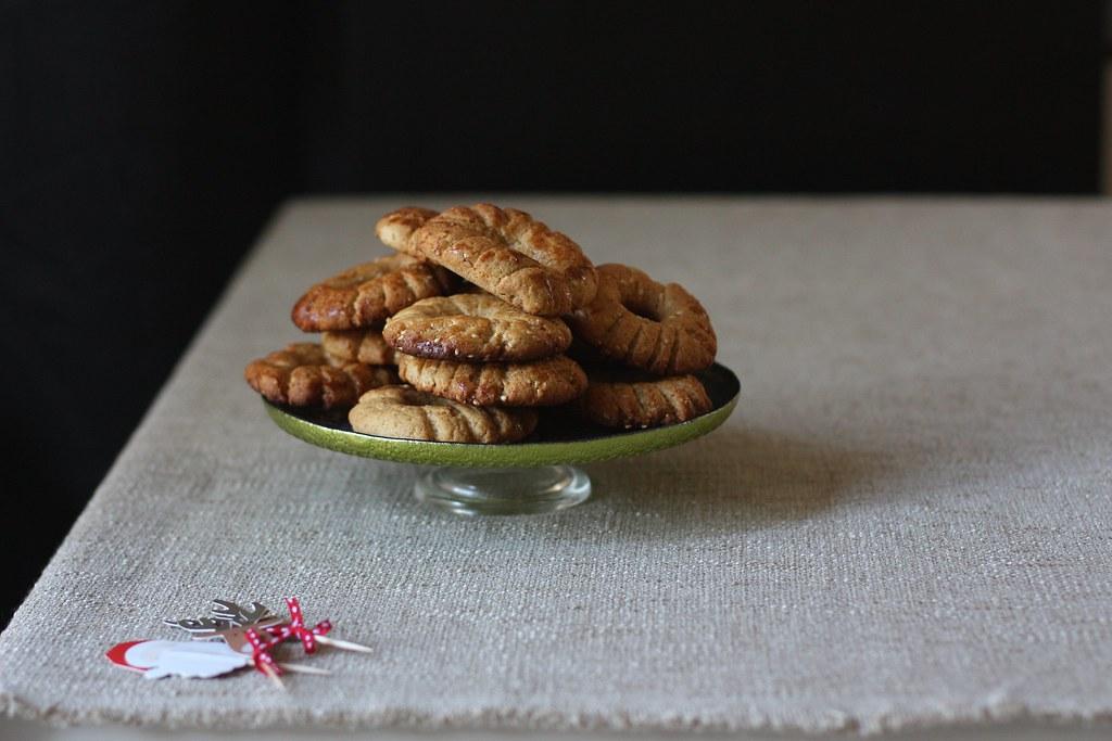Ka'ak-Seasame Fennel Cookies