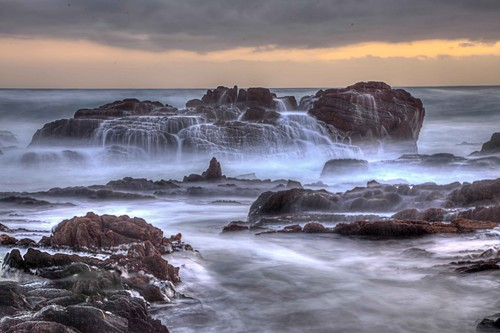 sea water southafrica coast rocks waves le portelizabeth breakingwaves