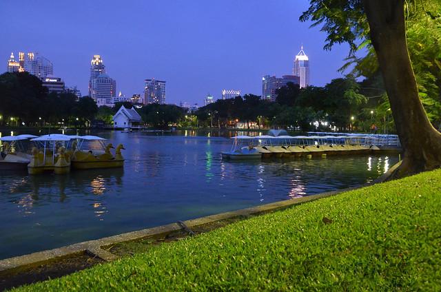 Parque Lumphini en Bangkok uno de los lugares que ver más bonitos de la ciudad