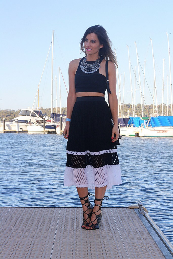 Monochrome midi skirt from Portmans