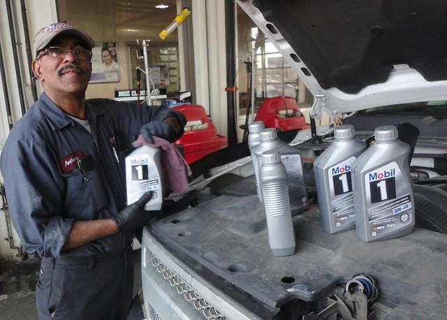 oil change, Jiffy Lube, change oil in Brampton