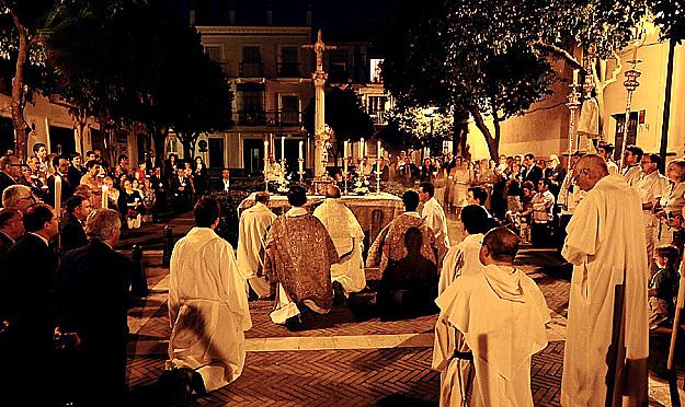 Adoración Nocturna - procesión final