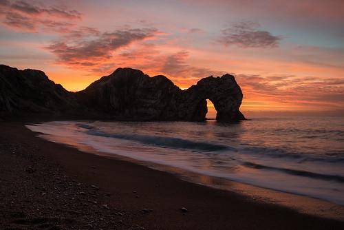 uk morning sea sky beach sunrise dawn coast seaside nikon december arch dorset geology englishchannel d800 2014 durdledoor jurassiccoast