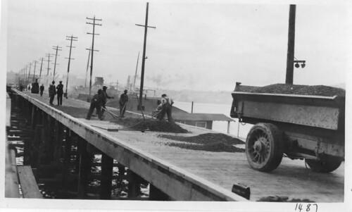 Paving the Fairview Avenue trestle, 1924