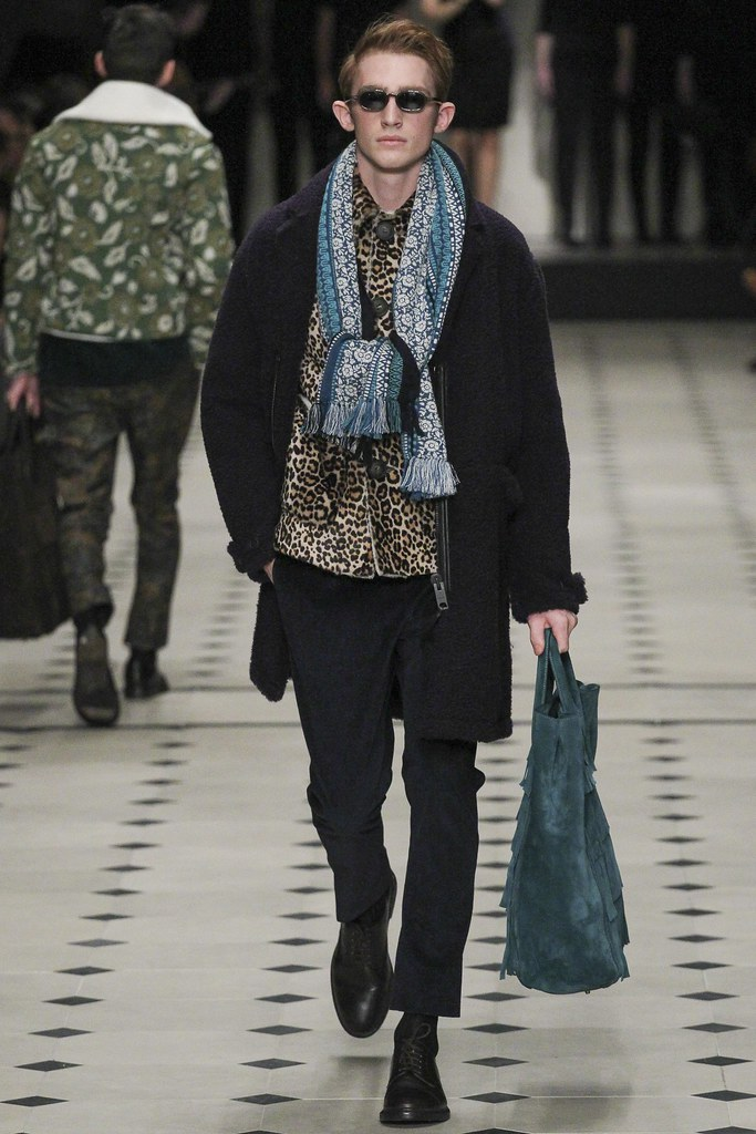 FW15 London Burberry Prorsum024_Charlie Ayres-Taylor(VOGUE)