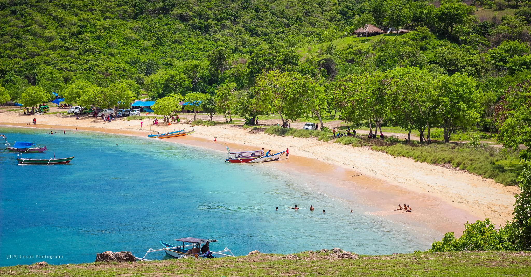 Lombok Pink Beach Tour
