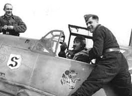 Adolf Galland a punto de emprender una misión