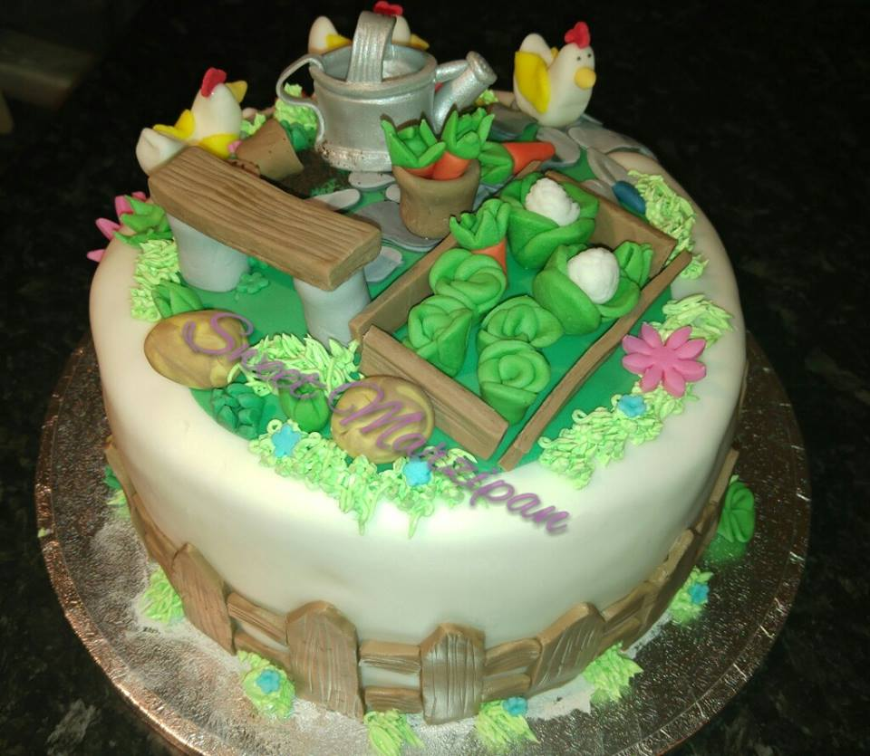 Lovely Cake by Anna Stochel of Sweet Marzipan