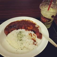 vegetarian curry & green matcha tea