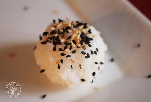 Bolitas de arroz rellenas de salmon www.cocinandoentreolivos.com (13)
