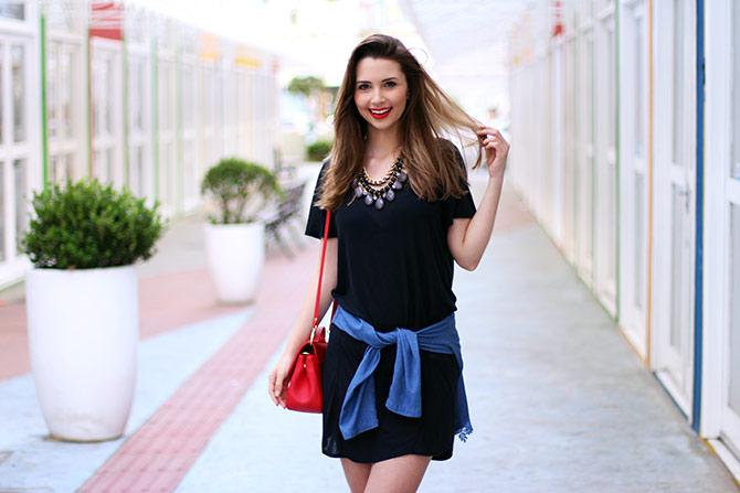 09-vestido-preto-com-camisa-jeans-amarrada-sempre-glamour