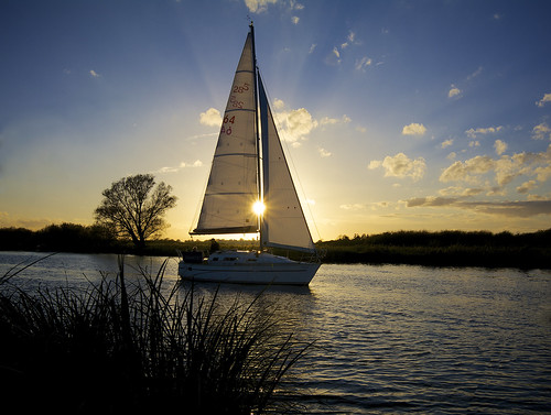 uk sun clouds river boat sailing yacht norfolk sails sail yare dawnchild