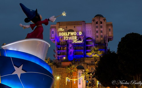 Hollywood Tower Hotel & Mickey