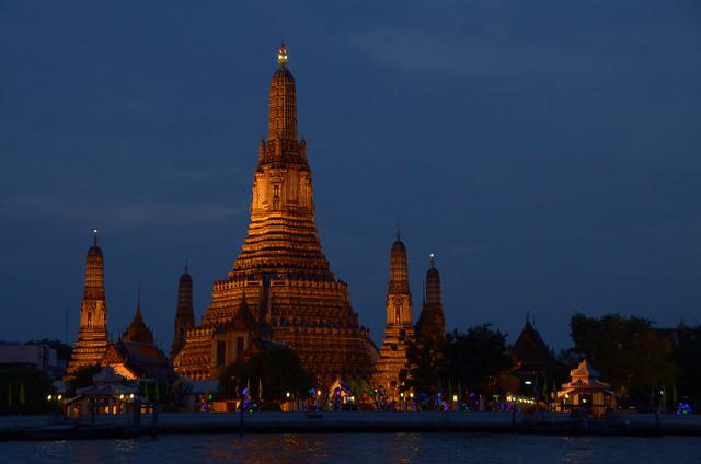 Wat Arun, uno de los templos más famosos que visitar en Bangkok