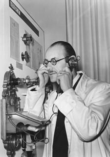L.M. Ericssons första väggtelefonapparat