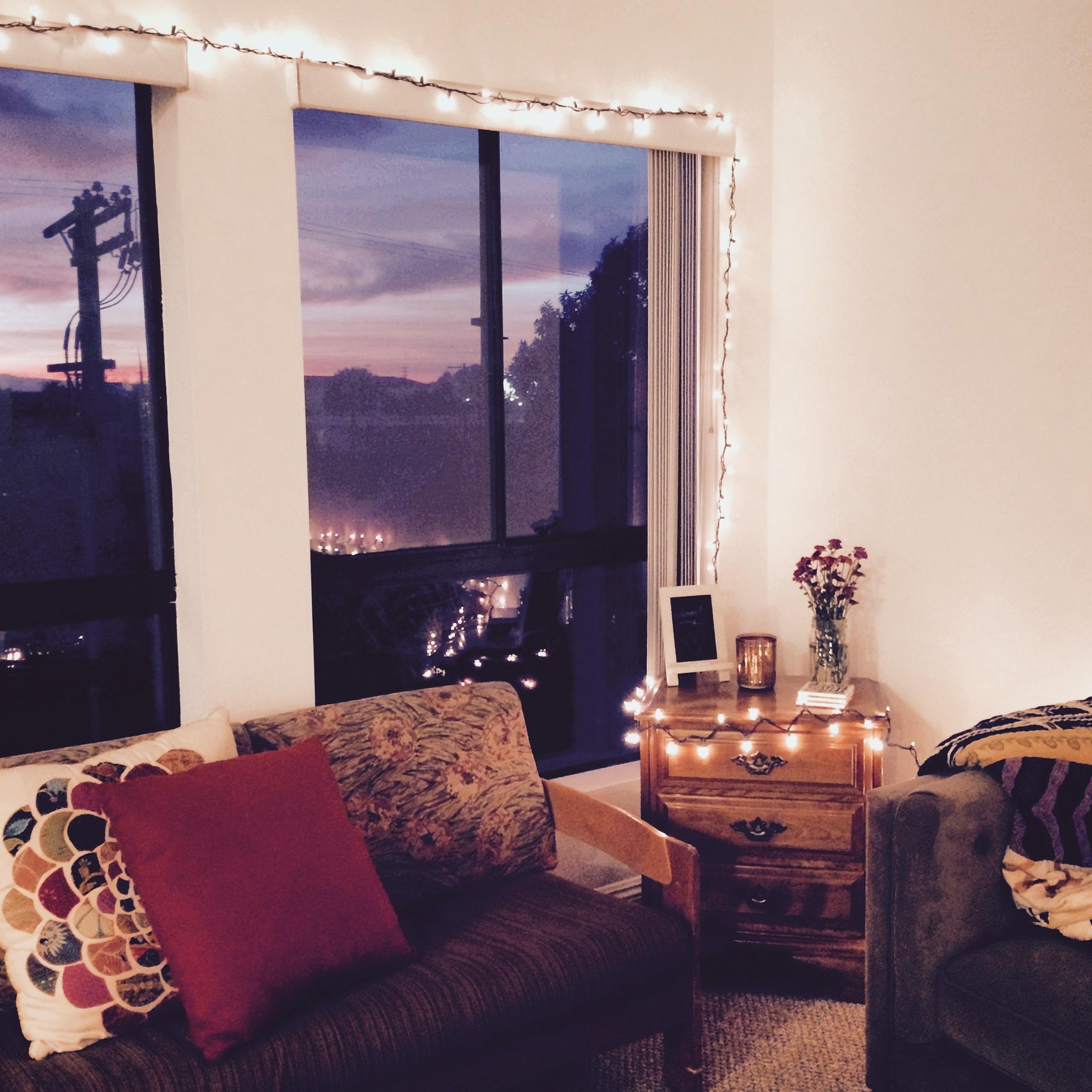 anthropologie-inspired apartment decor