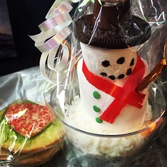 Sweet Holiday Treats! #fooddrive #fundraiser #snowman #cupcake #HeartCookies3sizes2small