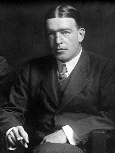 Ernest_Shackleton_c1914-1917